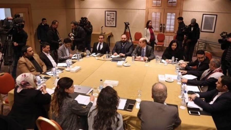 اتفاق بين الحكومة الشرعية والحوثيين على تبادل مرحلي للأسرى