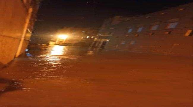 الرئيس الزُبيدي يوجه لجنة الإغاثة التابعة للمجلس بالمتابعة المستمرة وتقديم كل أوجه الدعم للمتضررين من أبناء مدينة تريم وضواحيها