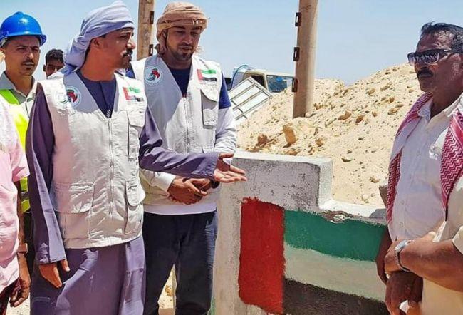خليفة الإنسانية تدفع بصهاريج مياه غربي سقطرى