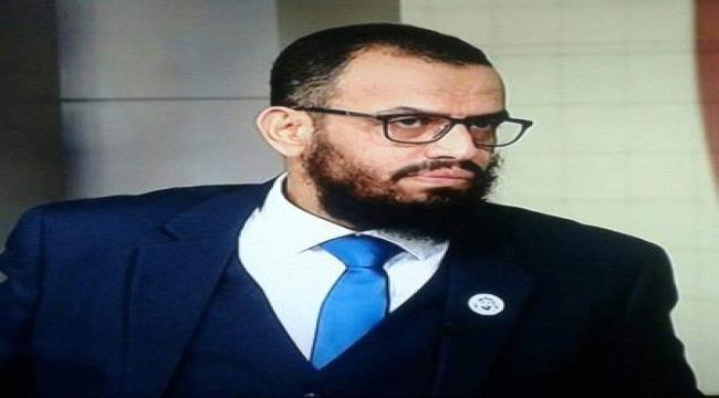 .بن بريك:عملية رخيصة قبل آخر مشهد من مسرحية الحمدين