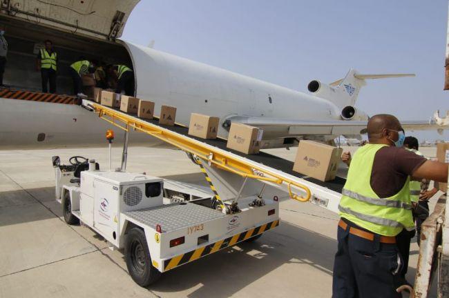 عدن.. وصول شحنة أدوية ومسحات خاصة بكوفيد 19 بدعم من اليونسيف