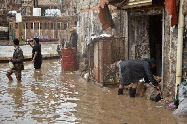 مركز الأرصاد يتوقع هطول أمطار على 16 محافظة يمنية ويطلق تحذيرات للمواطنين