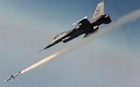 طيران التحالف يؤمن وصول قواته إلى عتق